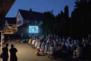 Fledermaus-Public Viewing Veltheim AG